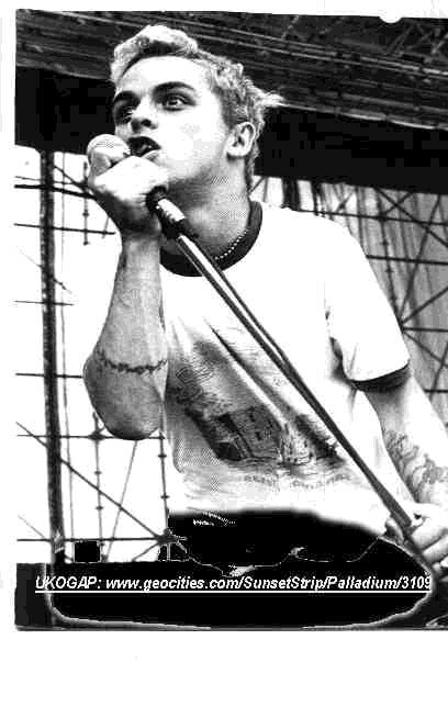 Billie Joe - singing - B/W