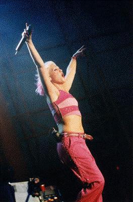 Gwen live pink