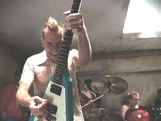 Tom - Guitar