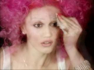 Gwen - no makeup